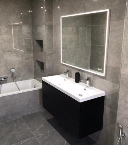 Pose de carrelage dans une salle de bain sur Lyon et alentours